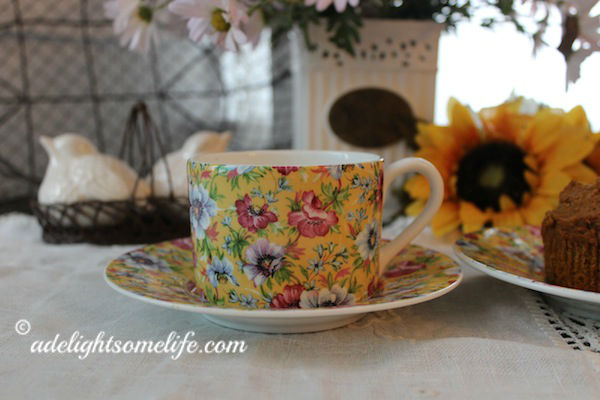 fall-morning-tea-Queens-Fine-Bone-china-Marguerete-daisy