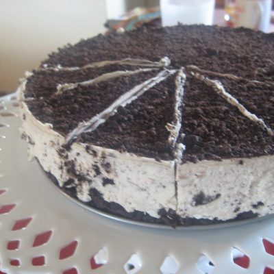 Showy Rich Oreo Cheesecake