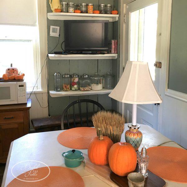 autumn-kitchen-table
