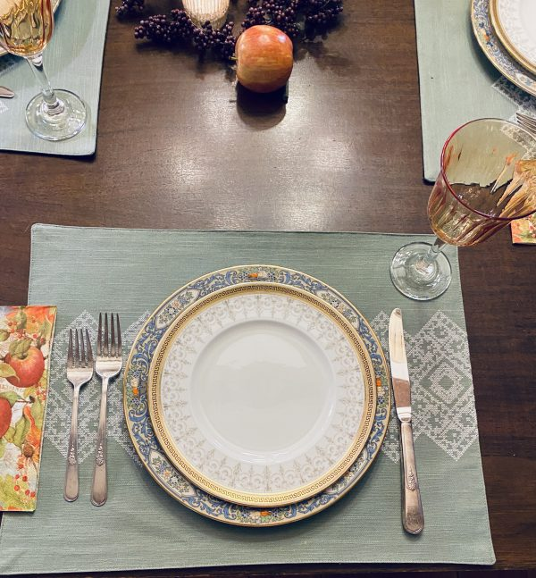 fall tablescape place setting